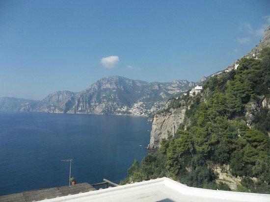 Casa Angelina: View towards Positano