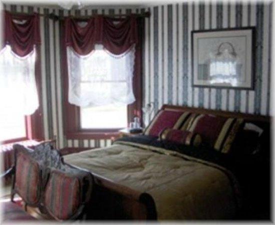 Bentley House: Cranberry Room