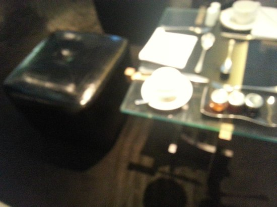 Crowne Plaza London - Battersea : a 5* table, I think not