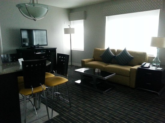 Hilton Grand Vacations at McAlpin-Ocean Plaza: Living Area