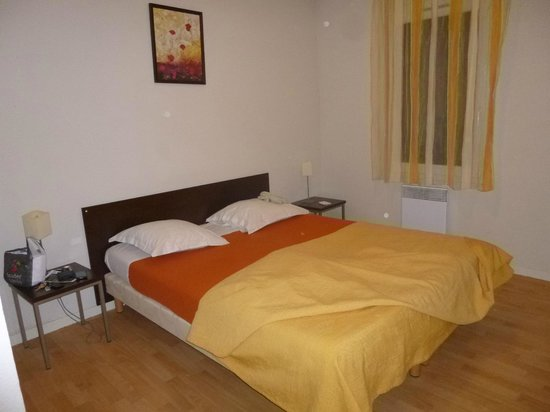 Garden & City Clermont-Ferrand Gerzat : chambre parents