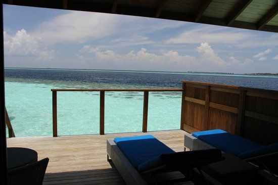 Vilamendhoo Island Resort & Spa: View from our over-water villa