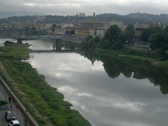Casa del Lago: River Arno - Eastern View