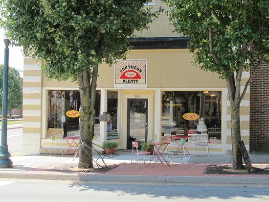Southern Plenty Cafe : look on main street for this place.. dont miss out