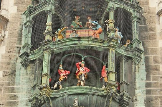 All Things Garmisch - Day Tours: The Glockenspiel plays at noon in Marienplatz in Munich.