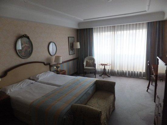 Izan Avenue Louise: la chambre