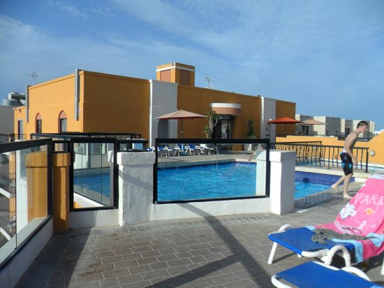 Sunseeker Holiday Complex: pool on roof