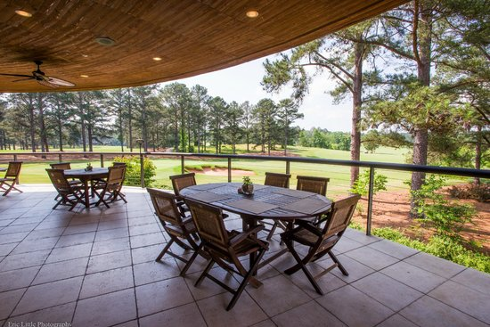 Cuscowilla on Lake Oconee: Golf House Grill