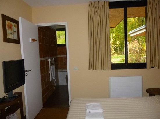 cottage vip style 1 re sdb avec baignoire remous picture of center parcs les bois francs. Black Bedroom Furniture Sets. Home Design Ideas