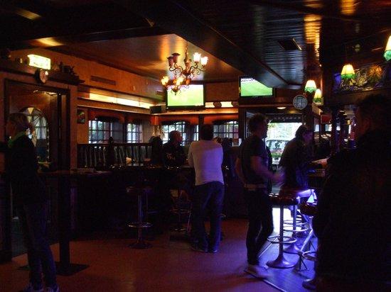Saatlen Pub
