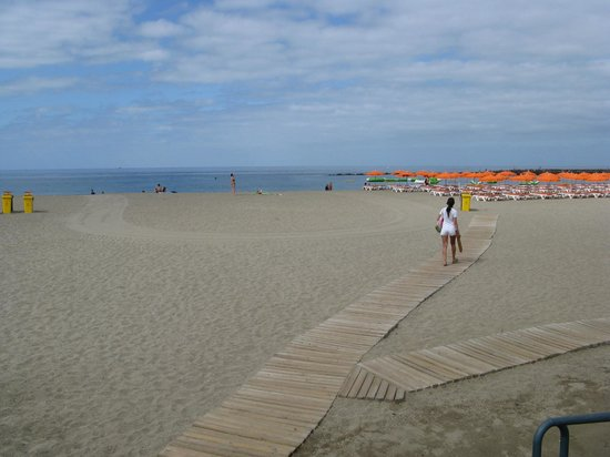 H10 Costa Adeje Palace: Una delle spiagge