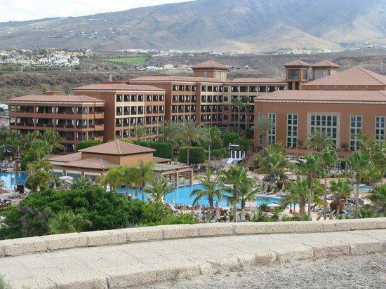 H10 Costa Adeje Palace: L'hotel visto dall'esterno