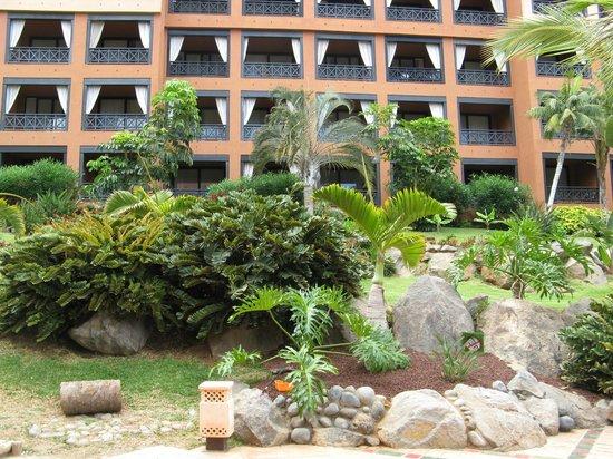 H10 Costa Adeje Palace: Le camere dal giardino