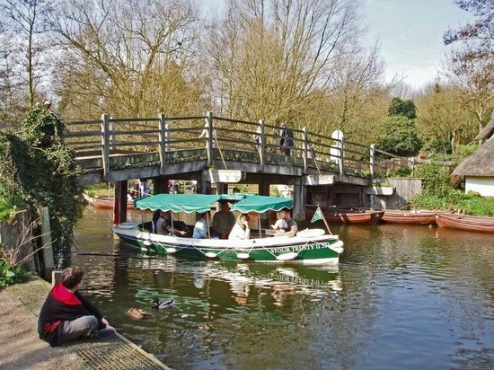River Stour Trust Boat Trips: Stour Trusty II at Flatford