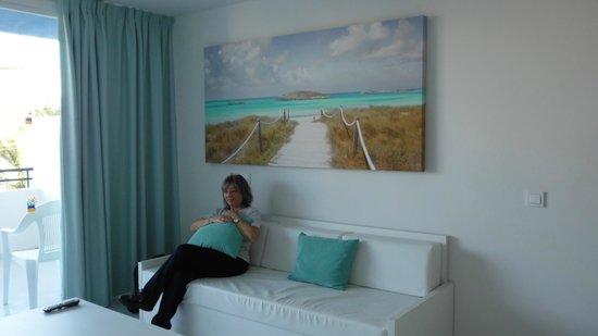 Marina Playa Hotel & Apartments: living room