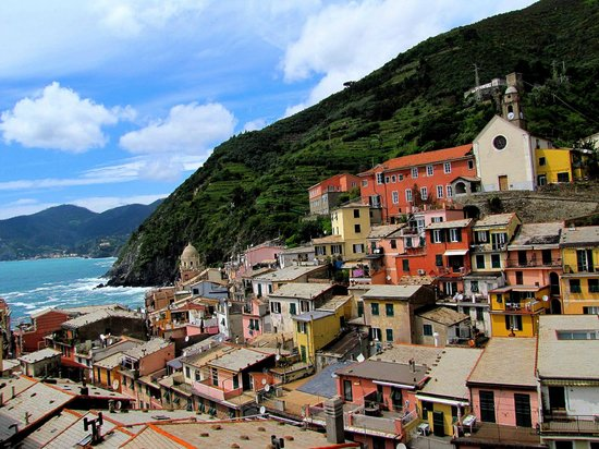 Rooms La Torre: view towards vernazza