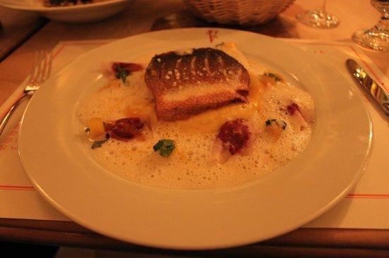 Vinothek by Geisel : Main: Sea bass - crispy skin, taste very good