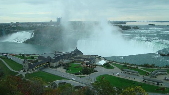 Niagara Falls Marriott Fallsview Hotel & Spa : View from our room on the 14th floor!