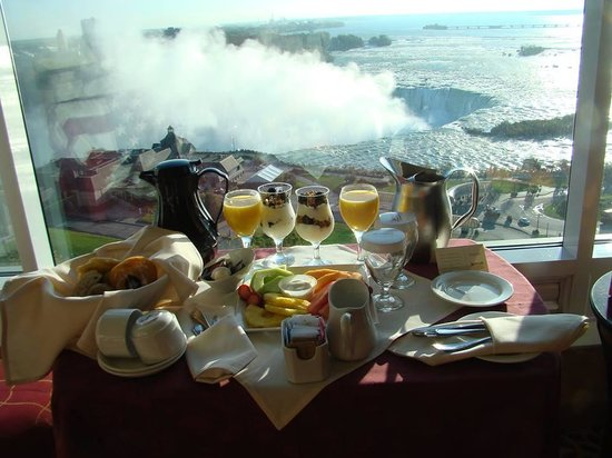 Niagara Falls Marriott Fallsview Hotel & Spa: The most incredible breakfast was delivered both mornings!