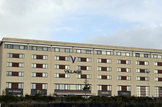 Village Hotel Swansea: Rear of hotel