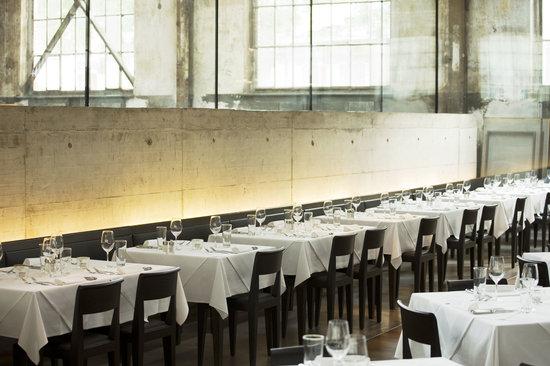 LaSalle: Restaurant