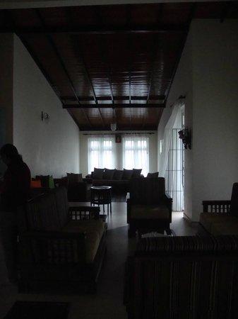 Hanthana Holiday Rooms: lovely house