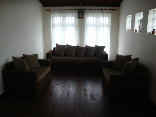 Hanthana Holiday Rooms: Sitting area a great place to meet new ppl