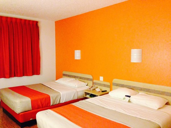 "Motel 6 Missoula: Fun ""Ikea"" room decor"