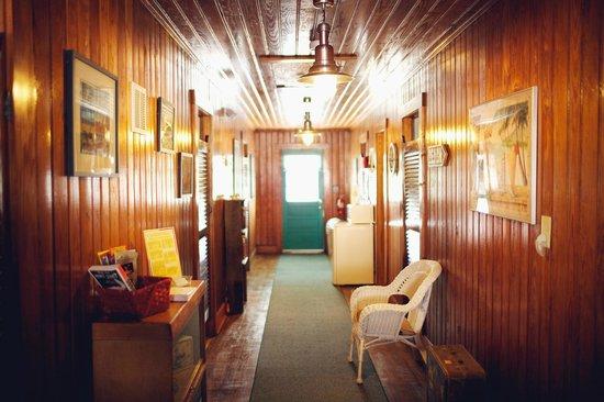 Beacon House Inn Bed & Breakfast: Vintage Beach House