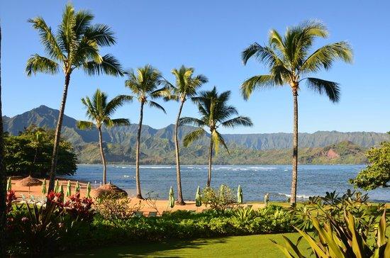 St. Regis Princeville Resort: Hanalei Bay view from beach at St Regis