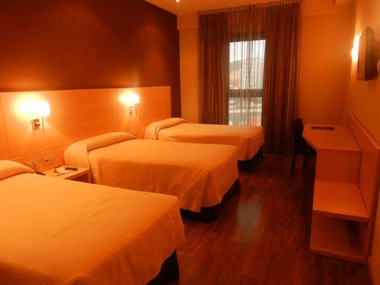 Sercotel Hotel Gran Bilbao: Room 303