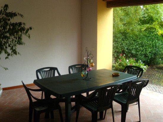 B&B Alle Rondini : Lovely sitting area outside