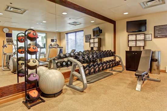 Hilton Garden Inn Toronto/Mississauga: Don't miss a workout with our Fitness Centre, open 24/7