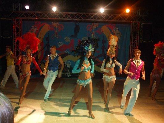 Hotel Greenland: Dance Show