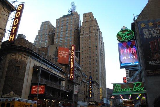 Inside Broadway Tours : views of Broadway