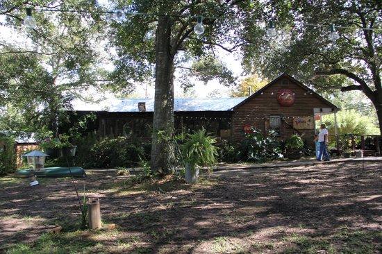 Bayou Cabins: Main restaurant