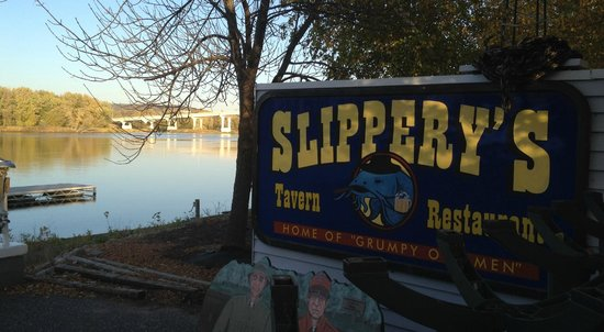 Slippery's Tavern and Restaurant: Sign on deck