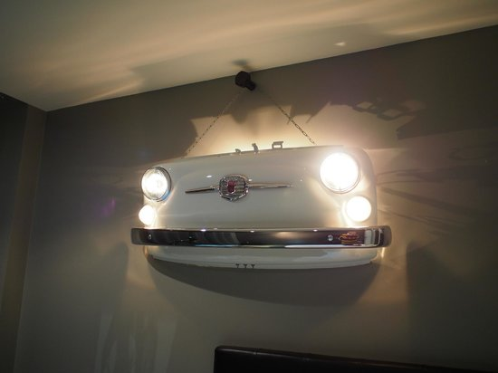Hotel Tour d'Auvergne: Our unusual bedroom light!