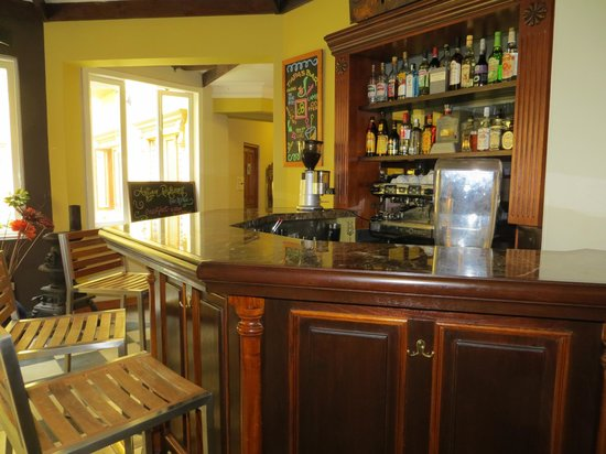Antigua Miraflores Hotel: Bar area
