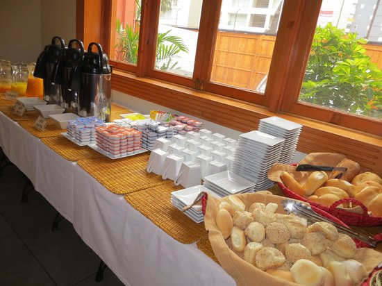 Antigua Miraflores Hotel: Breakfast
