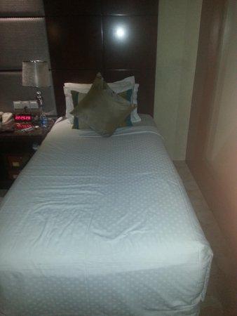 BEST WESTERN Skycity Hotel: The bed