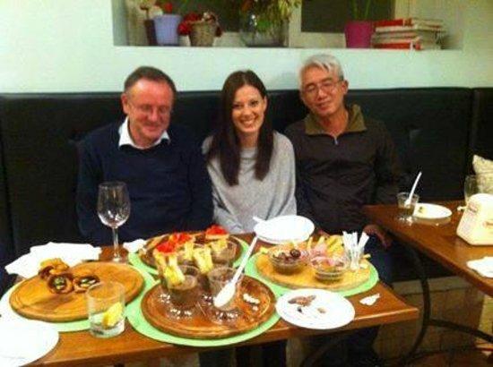 Bar Ristorante Duelle : Un caldo aperitivo in autunno preparato con amore...