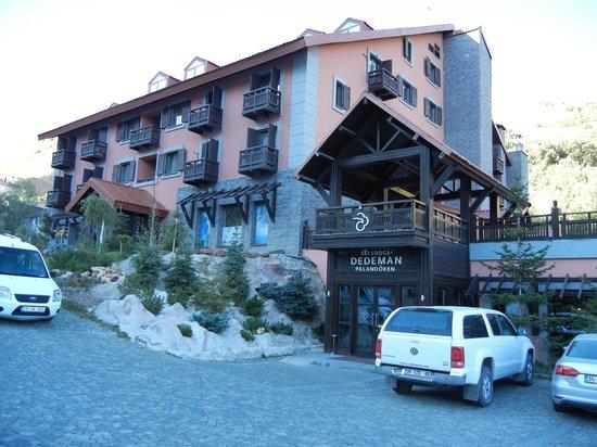 Dedeman Palandoken: Hotel Entrance