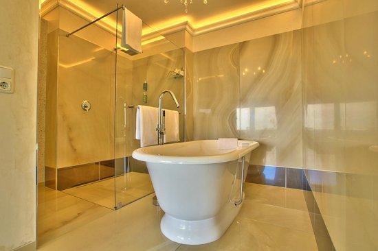 Ocean View House: Panorama Suite 10 - Bathroom