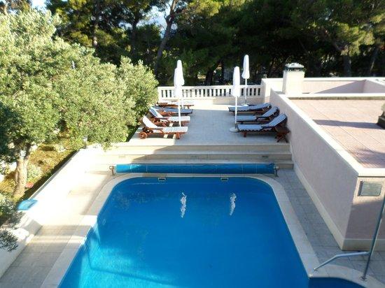 Hotel Villa Daniela: Pool view from balcony