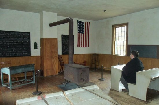 Shelburne Museum : The schoolhouse