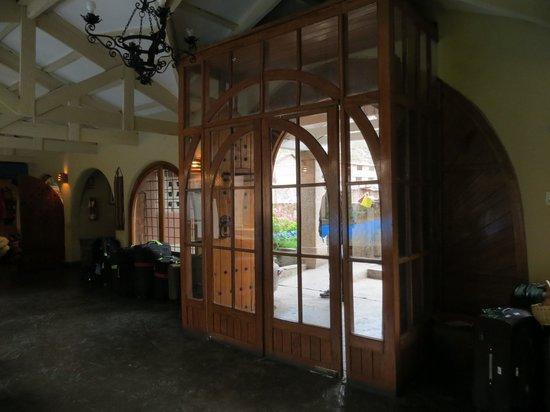 San Agustin Urubamba Hotel: Entrance from the inside