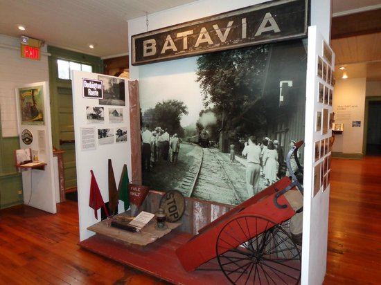 Batavia, IL: C B & Q exhibit