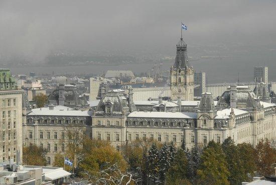 Hôtel Le Concorde Québec : Vue sur la ville de la chambre