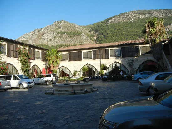 Savon Hotel: Hotel Courtyard